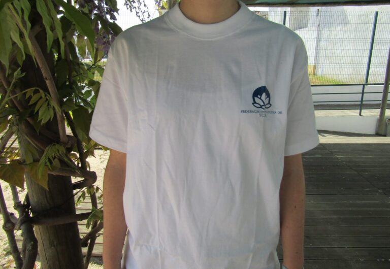 T-shirt com símbolo à esquerda - 10,50€